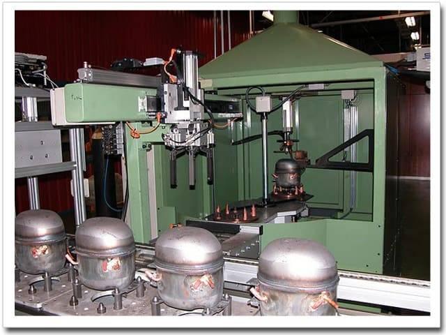 Máquina automática soldadura compresor hermético